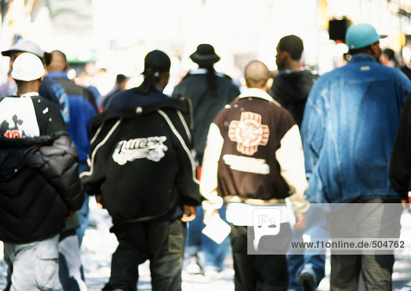 reasons youth join gangs essay