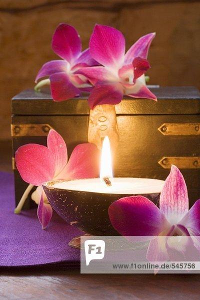 Thail ndische tischdeko kerzen orchideen holzkiste - Tischdeko orchideen ...