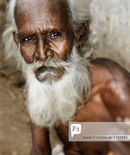 Alter Mann mit weien Bart Indien  Lizenzpflichtiges Bild