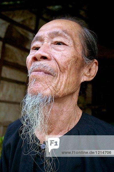 Asiaten Bart