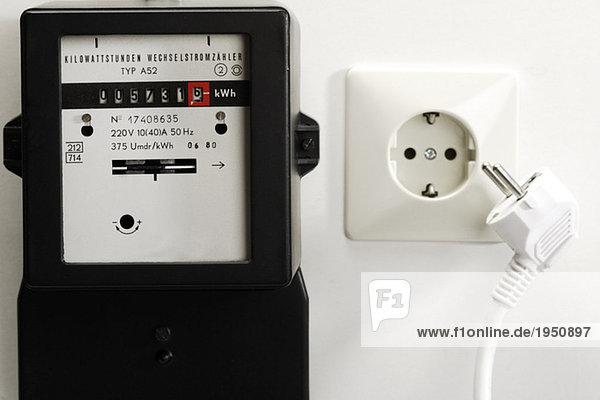berechnen eingebung elektrizit t energie energieverbrauch exakt lizenzfreies bild. Black Bedroom Furniture Sets. Home Design Ideas
