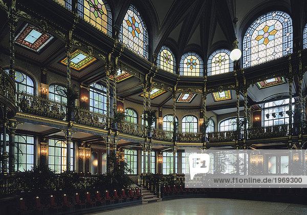 Augsburg g ggingen fenster innenarchitektur for Innenarchitektur augsburg