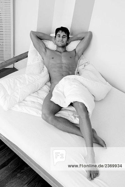 Nackte Leute im Bett