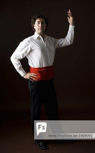stereotype spanischer mann in traditioneller kleidung. Black Bedroom Furniture Sets. Home Design Ideas