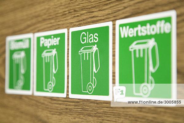 vier symbole zur m lltrennung deutschland lizenzfreies bild bildagentur f1online 3005855. Black Bedroom Furniture Sets. Home Design Ideas