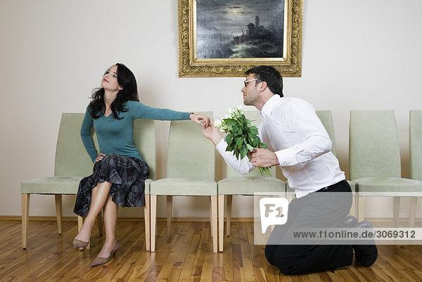 eroticgeschichten frau kniet vor mann