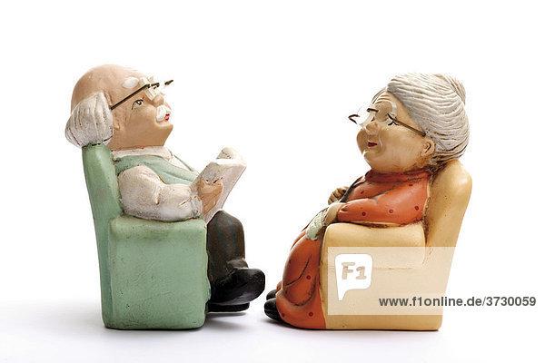 Figuren rentner oma und opa im sessel lizenzfreies bild - Ihr werdet oma und opa ...