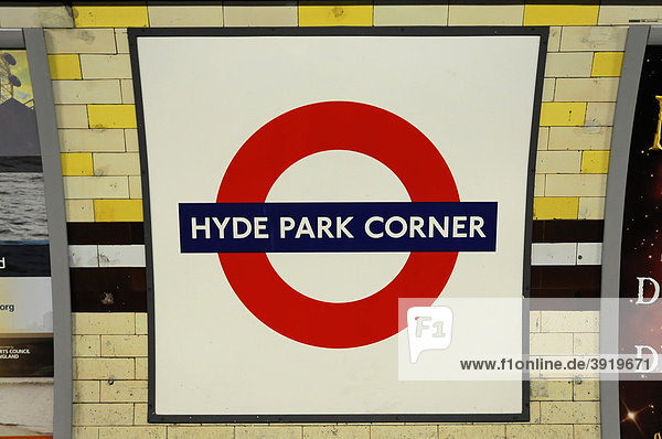 england europa gro britannien london u bahn schild underground logo am bahnhof hyde park. Black Bedroom Furniture Sets. Home Design Ideas