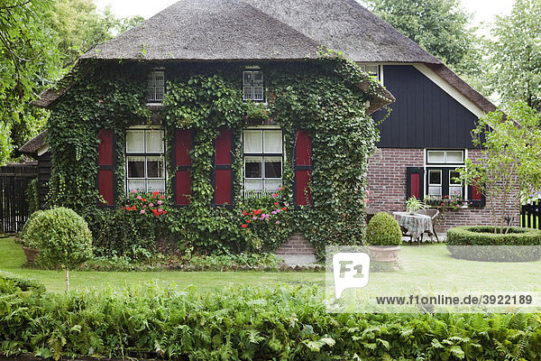 Europa flevoland giethoorn niederlande traditionelles for Traditionelles haus