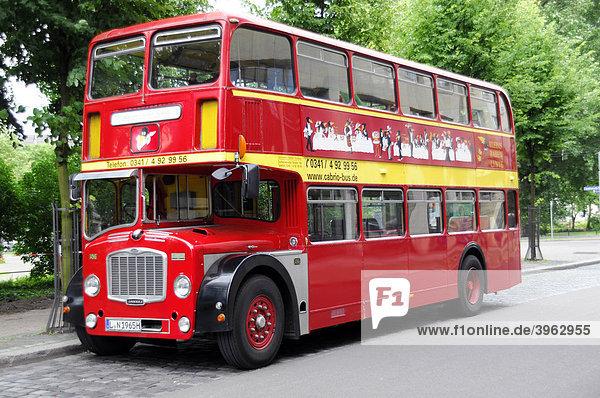 deutschland europa leipzig sachsen stadtrundfahrten englischer bus lizenzpflichtiges bild. Black Bedroom Furniture Sets. Home Design Ideas