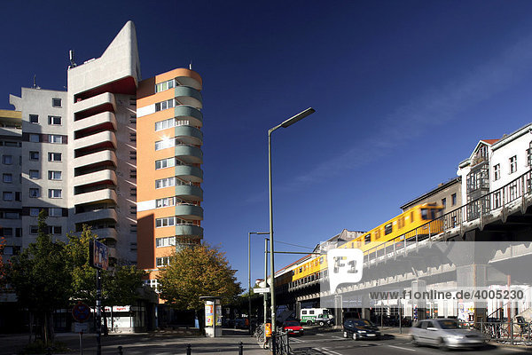 berlin deutschland europa kottbusser tor kreuzberg sozialer brennpunkt neues kreuzberger. Black Bedroom Furniture Sets. Home Design Ideas
