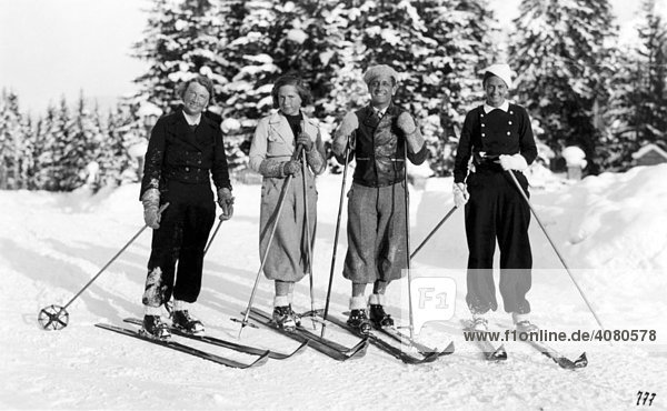 skifahren in den drei iger jahren historische aufnahme ca 1934 lizenzpflichtiges bild. Black Bedroom Furniture Sets. Home Design Ideas
