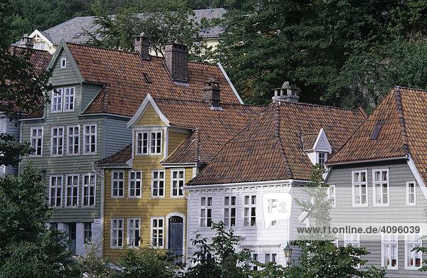 alte holzh user im freilichtmuseum gamle bergen bergen norwegen holzh user lizenzpflichtiges. Black Bedroom Furniture Sets. Home Design Ideas