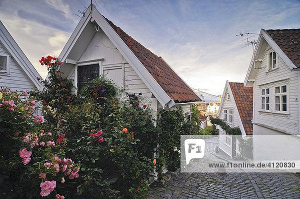 altstadt von stavanger europa norwegen rogaland. Black Bedroom Furniture Sets. Home Design Ideas