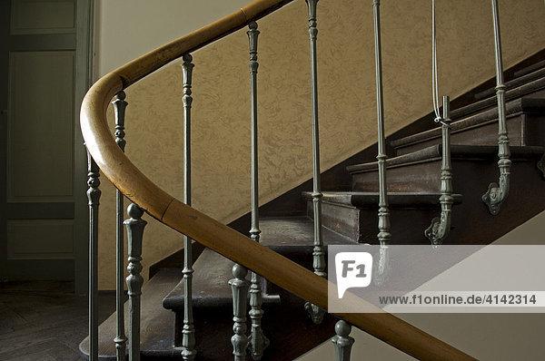 Altes treppengel nder treppenhaus in einem altbau in for Treppenhaus altbau