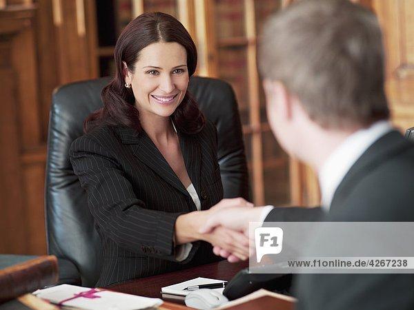 Успешные женщины адвокаты Лиз