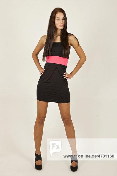 Welche schuhe zum langen schwarzen kleid