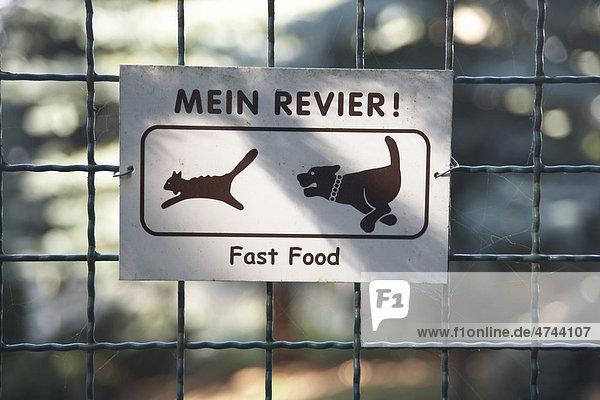 hinweisschild warnung vor dem hund mein revier fast food hund und katze lizenzpflichtiges. Black Bedroom Furniture Sets. Home Design Ideas