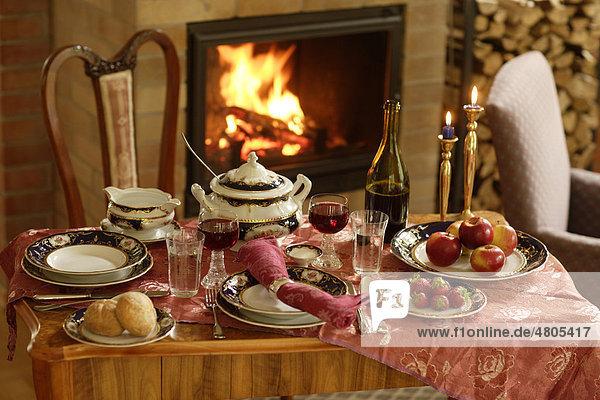 Stilleben Gedeckter Tisch
