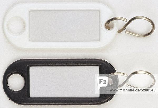 zwei schl sselanh nger mit namensschild lizenzfreies bild bildagentur f1online 5200545. Black Bedroom Furniture Sets. Home Design Ideas