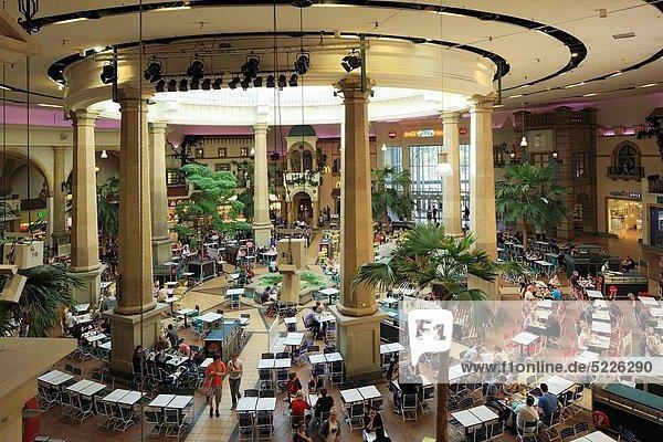 junk pause takeaway centro einkaufszentrum fast food freizeit kaufen mensch. Black Bedroom Furniture Sets. Home Design Ideas