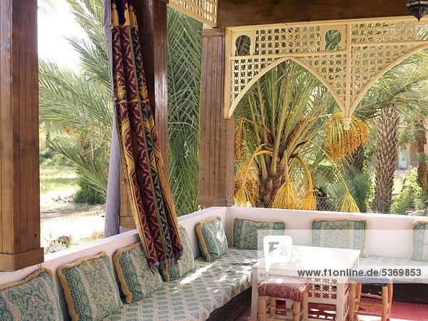 Afrika agdz draa tal marokkanische dekoration in einem riad eines im kasbah stil umgebauten for Marokkanische dekoration