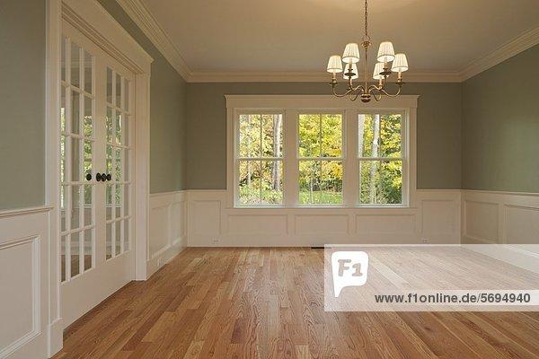 boden fu boden parkett unm bliert wohnzimmer zimmer lizenzfreies bild bildagentur f1online. Black Bedroom Furniture Sets. Home Design Ideas