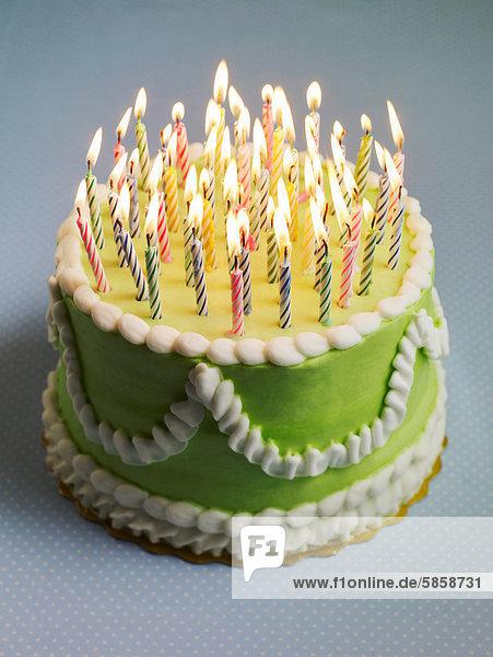 Geburtstagstorte Mit Vielen Kerzen Lizenzfreies Bild