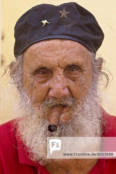 Havanna Kuba Mittelamerika Westindische InselnEin alter Mann