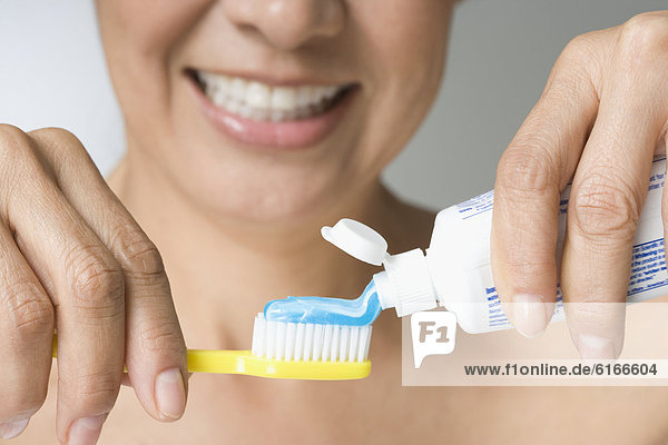 putting toothpaste in a test When it comes to taking a pregnancy test, the options can be a little overwhelming there are so many on the market these days (and some of.