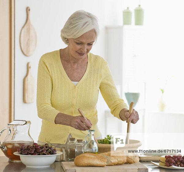 Диета для женщины после 50 лет - правильное питание без