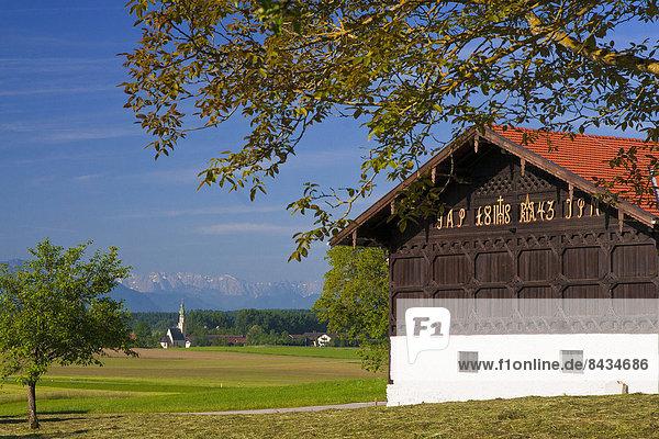 alt bauen bauernhaus bauernhof bayern berg brett chiemgau deutschland europa fenster. Black Bedroom Furniture Sets. Home Design Ideas