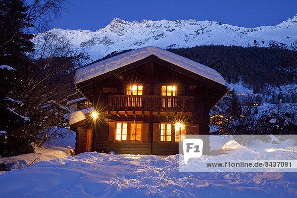 beleuchtung bergh tte dunkelheit europa h tte licht nacht schnee schweiz winter. Black Bedroom Furniture Sets. Home Design Ideas