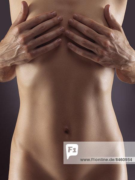 Kampagne gegen Brustkrebs: Diese Frauen zeigen - bild