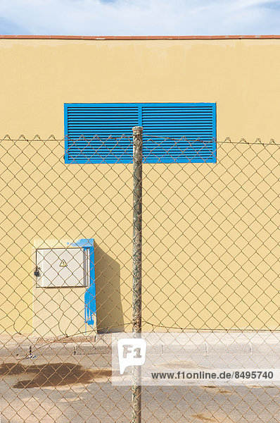 Fassade frontal  Fassade,frontal,Fuerteventura,gelb,Spanien,Zaun ...