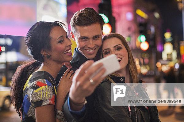 Handy,Zusammenhalt,Freundschaft,Fotografie,nehmen