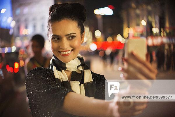 Handy,benutzen,Frau,Fotografie,nehmen,Nacht
