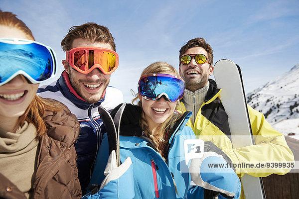Berg,Ski,Freundschaft,tragen,hoch,oben
