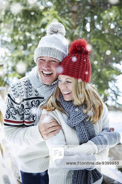 Zusammenhalt,umarmen,Schnee