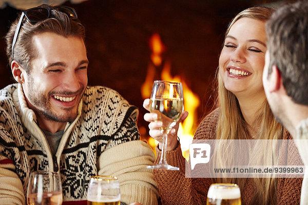 Zusammenhalt,Fröhlichkeit,Freundschaft,Gericht,Mahlzeit