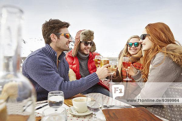Freundschaft,Fest,festlich,Getränk,Schnee