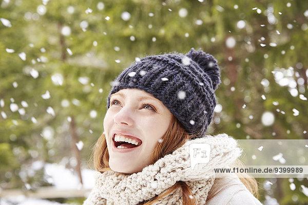 Außenaufnahme,fallen,fallend,fällt,Frau,Bewunderung,Schnee