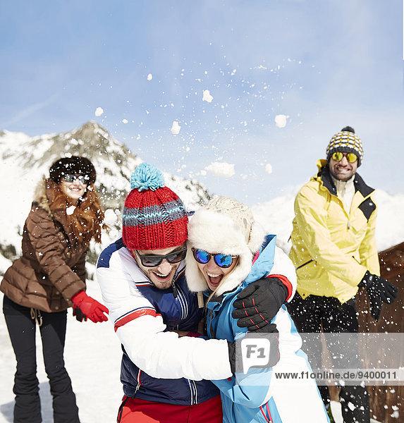 Freundschaft,Kampf,Schnee,Schneeball