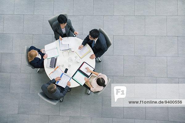 Mensch,Menschen,Geschäftsbesprechung,Besuch,Treffen,trifft,Tisch,Business