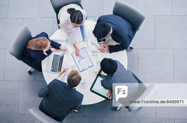 sprechen,Mensch,Menschen,Geschäftsbesprechung,Besuch,Treffen,trifft,Tisch,Business