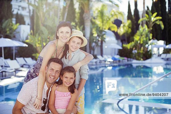 Portrait,Fröhlichkeit,Sohn,Schwimmbad,Tochter