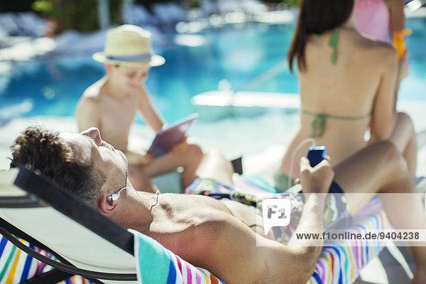 sonnenbaden,sonnen,Urlaub,2,Schwimmbad