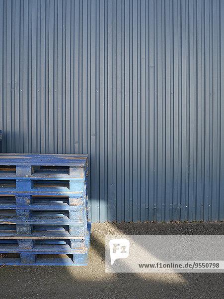 Fassade frontal  blau,Fassade,frontal,Stahl,Stapel,Tuch - Lizenzfreies Bild ...