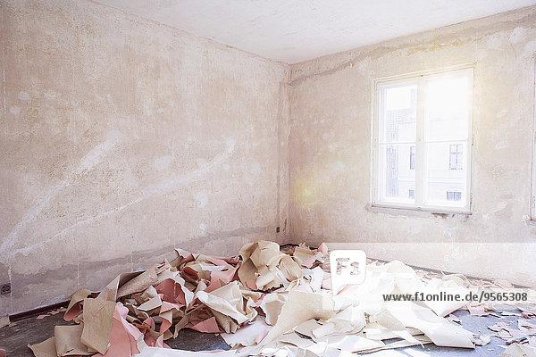 Papier,Zimmer,unordentlich,verlassen