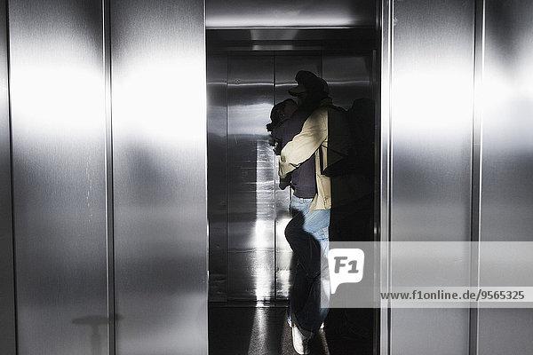 küssen,Aufzugsanlage,passioniert